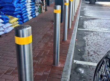 Emtek are a leading supplier of #bollards, with hundreds supplied every month. Here's a forecourt project just completed in County Antrim. https://t.co/ecrED4lbyi