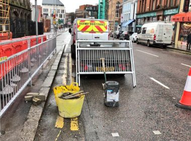 Emtek have started working on the Belfast Rapid Transit project, with our teams installing Pedestrian Guard Rails throughout #Belfast city centre. Our BS:7818 compliant Railings will help improve pedestrian safety citywide #safety https://t.co/eyACRgFb9Z
