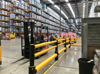 Emtek are helping protect staff at this busy distribution centre in #Newtownabbey. Our iFlex #Barriers are designed to flex & absorb energy from a workplace vehicle strike, then reform to their original shape. #workplace #safety https://t.co/YVAUeExX7P