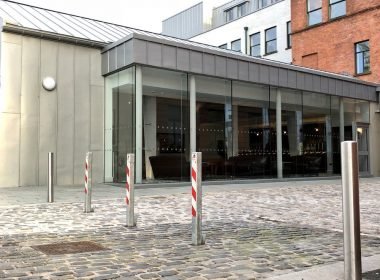 Emtek parking control #Bollards have been fitted at the newly opened Titanic Hotel in Belfast, a project that has a blend of traditional & modern architecture #Titanic #Belfast https://t.co/klMihalmwe